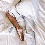 Ảnh hưởng của pheromone lên tâm trạng và cảm giác hưng phấn của phụ nữ