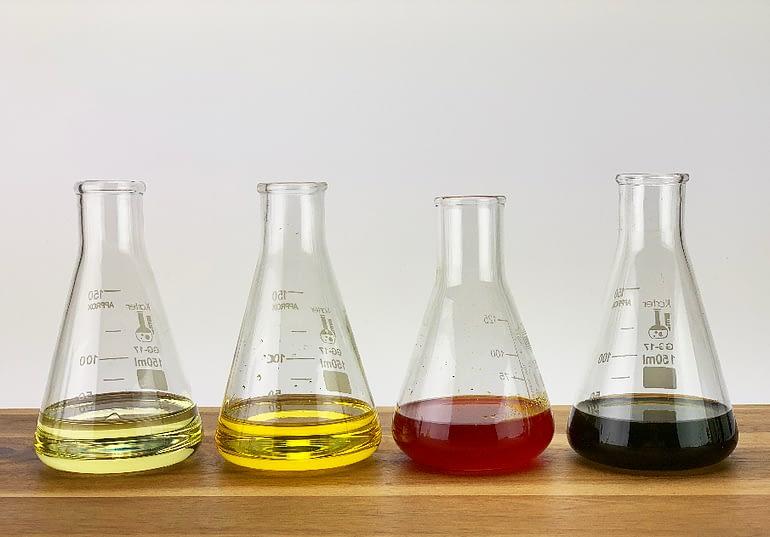 tinh dầu hay dầu nền
