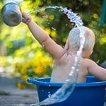 Cách chọn xà phòng vô hại cho da em bé